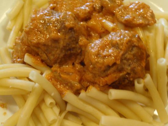 Boulettes de viande strogonoff et pâtes