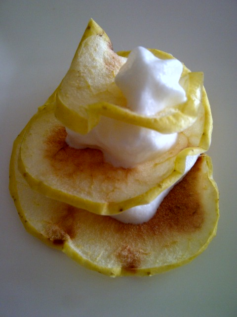 Chips de pomme et chantilly caramel